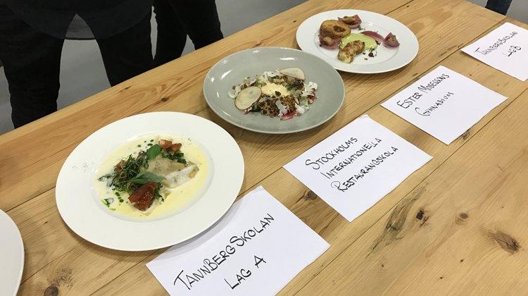 De unge kokke er 3. års studerende og her ses nogle af finaleretterne