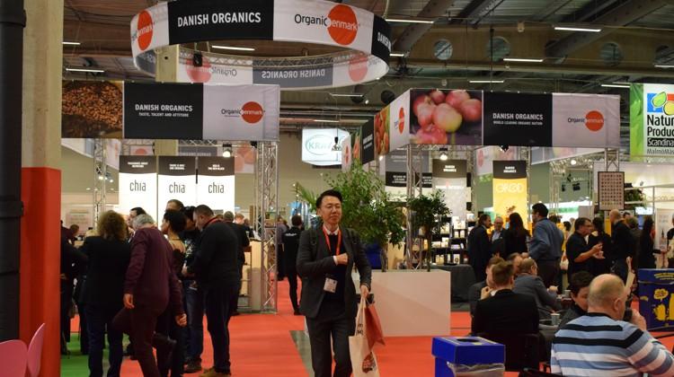 På Organic Denmarks fællesstand var en bred skare af danske virksomheder repræsenteret. Standen havde en god placering i hallen, hvilket sikrede et stor mængde besøgende på standene.